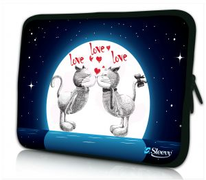 Laptophoes 11 inch love love love... Sleevy