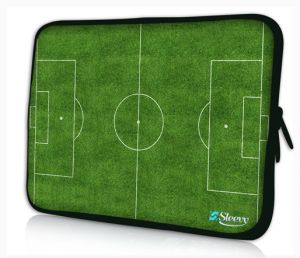 Sleevy 13,3 inch laptophoes voetbalveld